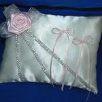 cuscino raso avorio + rosellina rosa + strass