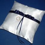 cuscino raso bianco + nastrino blu
