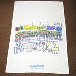 5歳の男の子の作品。大好きな電車と駅をハーフケットにしました。