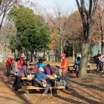 猿田公園で・水分補給とトイレ休憩