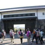ウォーミングアップの後に桜田門をスタート