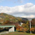 樋口橋手前の景観 紅葉が綺麗でした