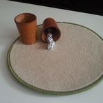 """Würfelunterlage mit """"Lärmschutzeffekt"""" hochwertiger Uni-Velours-Teppich ca. 33,5 cm im Durchmesser"""