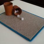 """Würfelunterage mit """"Lärmschutzeffekt"""" hochwertiger Melangevelours-Teppich ca. 25 x 35 cm"""