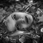Portraitfotografie, Schwarz-Weiß-Foto, Herbstfoto