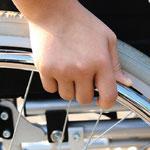 Barrierefreiheit wird immer wichtiger, doch was ist mit dem Lüften. Mit WINFLIP können auch Menschen im Rollstuhl ohne fremde Hilfe selbstständig und sicher lüften.