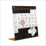 Ewiger Tischkalender mit anpassbaren Magnetfeldern