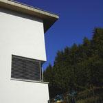 Fassade mit Eckfenster Küche