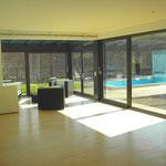 Wohnzimmer Blick zum Schwimmbad