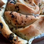 Vogelmiere Pesto in Zupfbrot verarbeitet