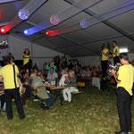 Gössitz, 10. Festival der Liebe ::: ab auf die Tische