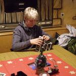 Weihnachtsfeier SMZ AUMA 12.12.2015  :::  Jonas hat auch eine Beschäftigung gefunden