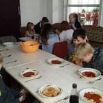Nachwuchsgesamtprobe 23.01.2016  :::  Nudeln mit Tomatensoße geht immer!