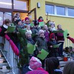 Chor eröffnet den Weihnachtsmarkt