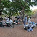 Ons laatste kampeer-ontbijt (foto: Ronny Wuyts)