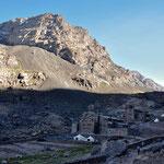 Die Mouflon-Hütte und dahinter die Französische Alpenvereishütte.