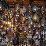 In Marrakesch angelegt, besuchten wir gleich wieder die Souks, um Souveniers und andere Mitbringsel einzukaufen.