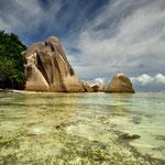 Granitfelsen und Glasklares Wasser an der Anse Source D´Argent auf La Digue, Seychellen