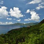 Ein schöner Küstenweg der Anse Major Nature Trail