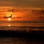 Sonnenuntergang an der Beau Vallon auf Mahe