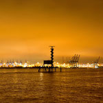 Blick von den Docklands zum Containerhafen von Hamburg