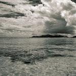 """Am Strand der """"Anse Source d´Argent """"und die Insel Praslin im Hintergrund"""