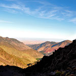 Von der Hütte hatte man eine tolle Aussicht bis in die Wüste am abendlichen Himmel.