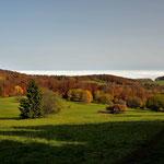 """Herbstliche Landschaft auf der """" Extratour Hochrhöner """" kurz vor der Thüringer Hütte"""