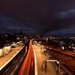 Die U-Bahnlinie fährt gen Innenstadt