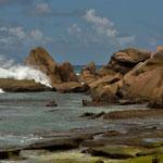 Die Brandung an der Grand Anse auf La Digue