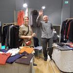 Josef Tresek , Modedesigner aus Marianski, präsentiert Herrenmode und Damenmode aus Leinen
