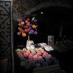 Papierkugeln in Origamikunst- hergestellt in einer polnischen Familienwerkstatt- zeigt Ursula Meyer