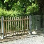 Fabrication sur mesure portillon métal et clôture en châtaignier