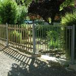 Vue - Fabrication sur mesure portillon métal et clôture en châtaignier