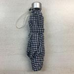 折り畳み傘(B401教室にて拾得)