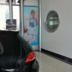 VW Schauraum mit Folienbild
