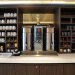 Getränkestation an der Main Lounge (Explorer Lounge)