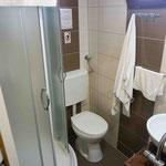 Badezimmer einer Oberdeckkabine auf der MS Dalmatia
