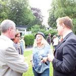 KunstraumGRÜN 2013 - CAGrundei im Gespräch mit Herrn Rieskamp, Volksbank, und Herrn Thomas Krützberg, Kulturdezernent der Stadt Duisburg