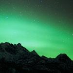 Polarlicht den Bergen bei Svartskard, Norwegen. 2013 © Robert Hansen. Link in die Fotogalerie