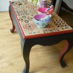 Table basse rouge et noir