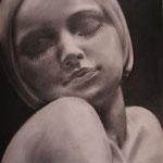 Escultura 2: 50x50. Carboncillo papel