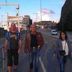 Oli_Doc Thomas_Sandra auf dem Weg in die City von Stockholm