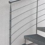 Geländer an einer Wendeltreppe in stahl verzinkt