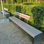 Gartenbank Stahl-Holz Kombination mit Rückenlehne