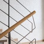 Geländer Edelstahl-stahl lackiert-Holzhandlauf Detail