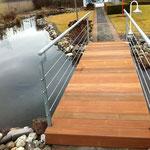 Gartenbrücke Stahl - Holz Kombination