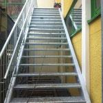 Fluchttreppe stahl verzinkt