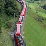 August 2016: MGB Zug oberhalb von Andermatt. (Aufnahme vom Juli 2016).