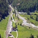September 2020: RhB Bahnhof Cavaglia. Fotografiert unterhalb  Alp Grüm. (Aufnahme vom Juni 2019.)